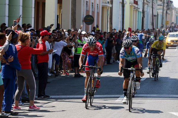 CUBAN CLASSIC: YANS CARLOS ARIAS TURNED AND ADDED THE SECOND STAGE