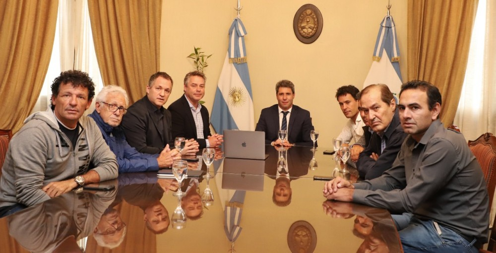 IMPORTANT CYCLING DIRECTORS VISITED THE GOVERNOR SERGIO UÑAC