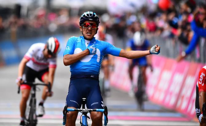 GIRO OF ITALIA: RICHARD CARAPAZ WIN AND MIGUEL ÁNGEL 'SUPERMAN' LÓPEZ SAVES A DAY ACCIDENTED ON THE FINAL