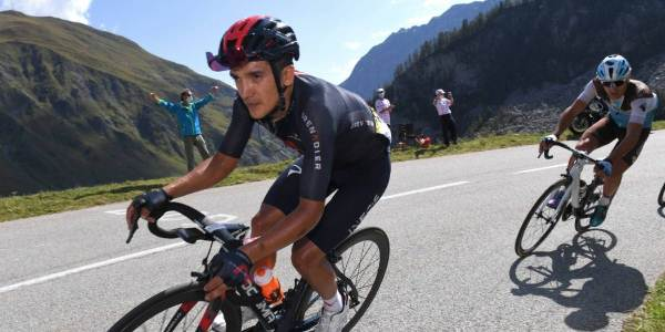 RICHARD CARAPAZ SECOND IN STAGE 1 OF THE VUELTA ESPAÑA