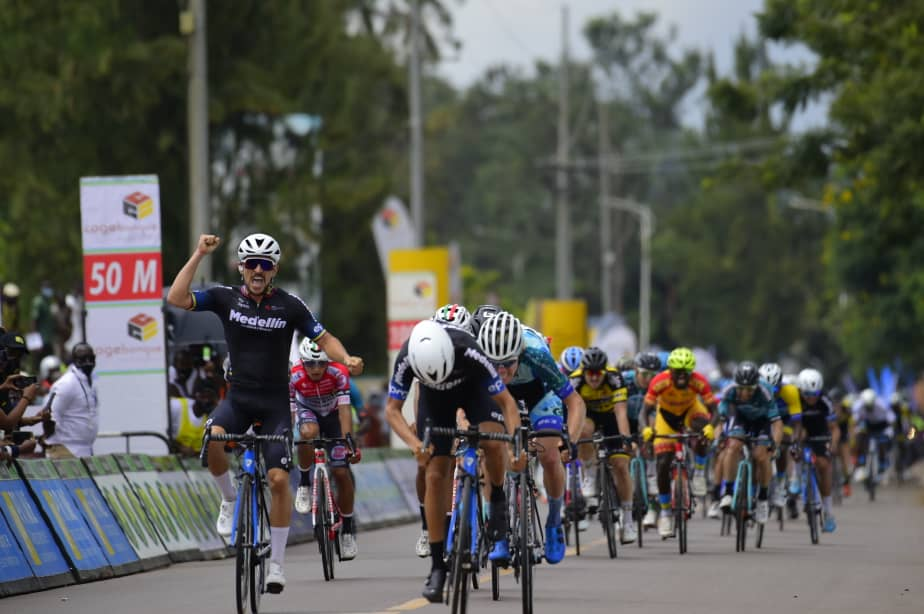 Tour of Rwanda starts and Brayan Sánchez leads