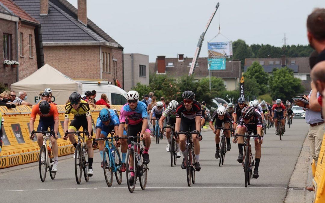 Joven Ciclista mexicano César Macias terminó 14 en Bélgica