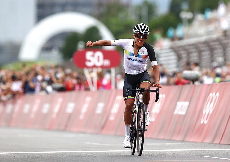Richard Carapaz entró en la historia olímpica: ¡Campeón de la ruta! (+ Video)