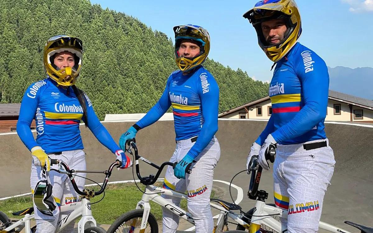 Mariana Pajón, Carlos Ramírez y Vincent Pelluard forman el equipo olímpico de BMX de Colombia que entrará en acción el 29 y 30 de julio (Foto©FCC)