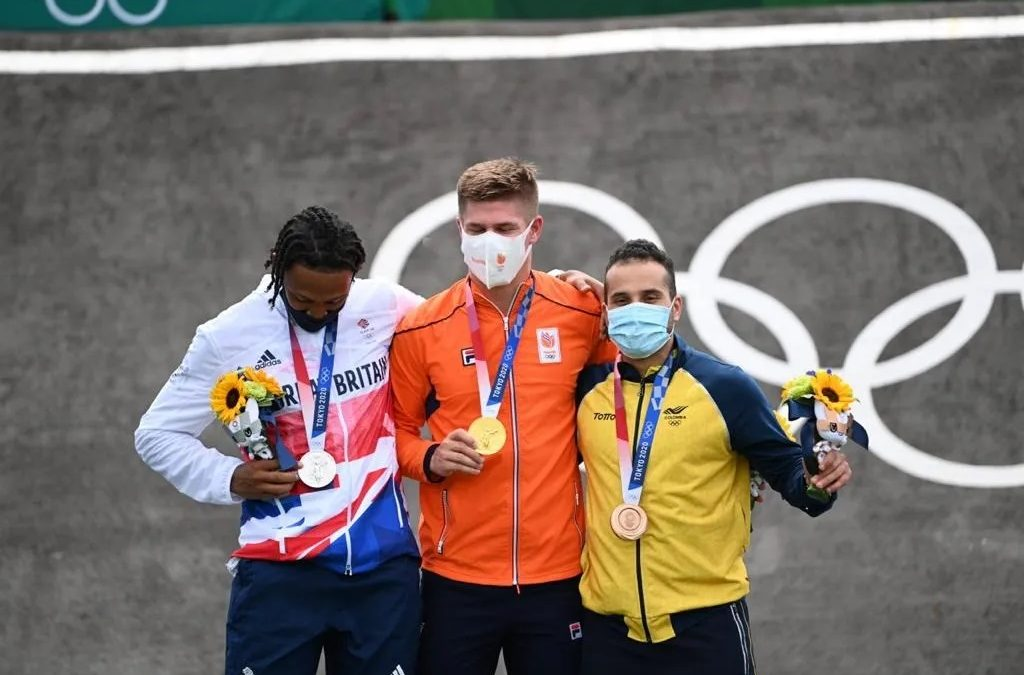 Carlos Ramírez da a Colombia bronce en el BMX de Tokio