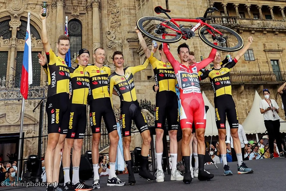 Primoz Roglic, third title followed in the Tour of Spain; Bernal finishes sixth