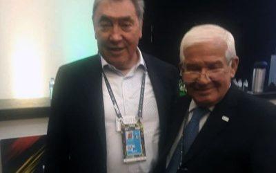 Copaci president exchanges with Eddy Merckx