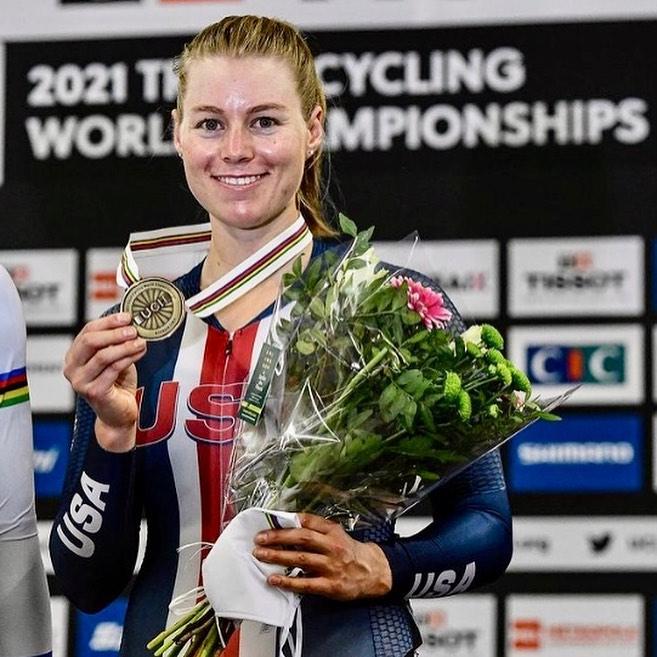 América abre medallero con bronce de Jennifer Valente en el scratch